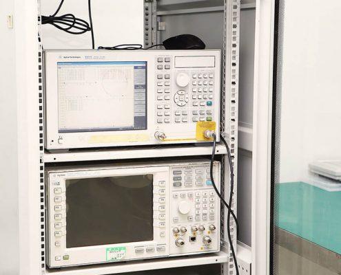 network-analyzer-5071C-and-Anritu-8960